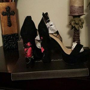 Embroidery Block heels